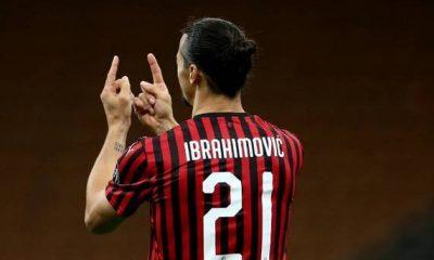 Zlatan Ibrahimovic Isyaratkan Ingin Bertahan di AC Milan